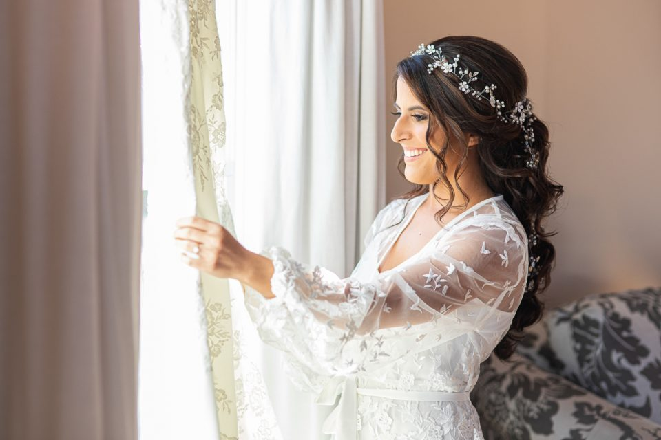 Getting Ready on Your Wedding Day: Tips and Advice